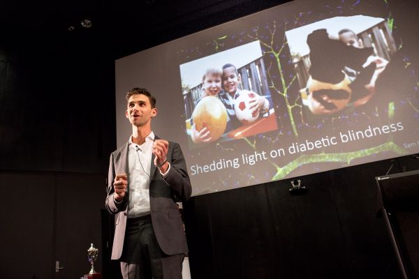 3 minute thesis unimelb Finalist at the university of melbourne 3 minute thesis competition, the university of melbourne  haghiria@unimelbeduau 61 3 8344 3043 location level:.